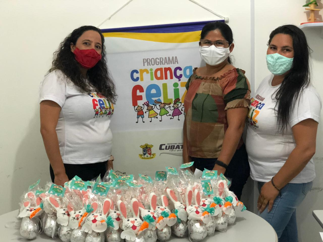 Famílias acompanhadas pelo Programa Criança Feliz de Cubati recebem lembranças em alusão a Páscoa