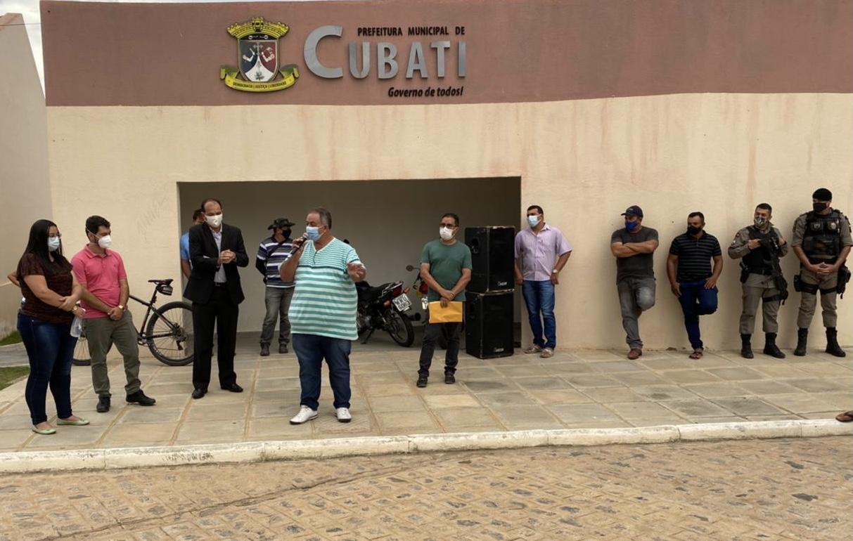 Gestão municipal de Cubati reúne comerciantes locais e dialoga sobre novas medidas no combate à Covid-19