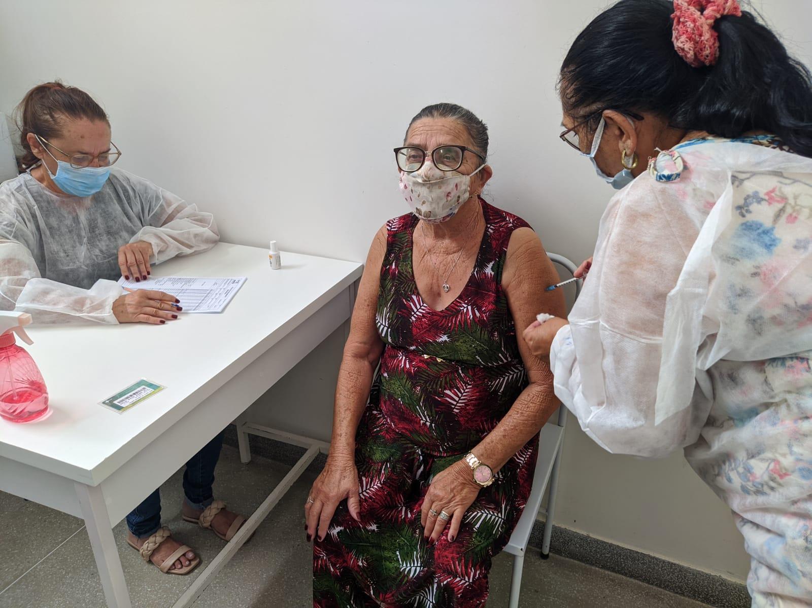 Secretaria de Saúde de Cubati finaliza vacinação dos idosos acima de 75 anos e aguarda novas doses para os demais grupos