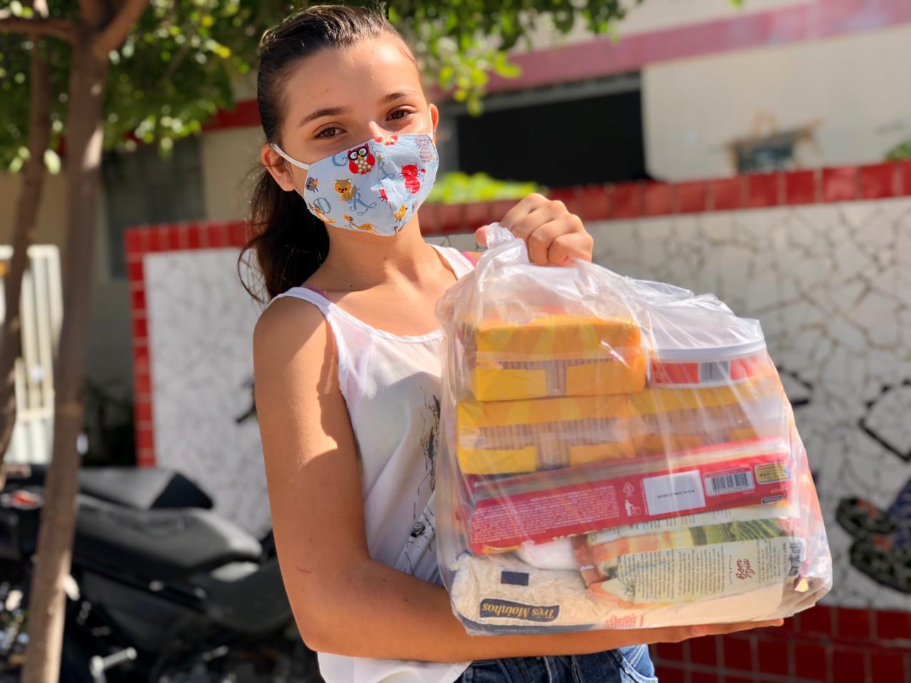 Prefeitura de Cubati realiza a entrega do kit merenda aos alunos da rede municipal