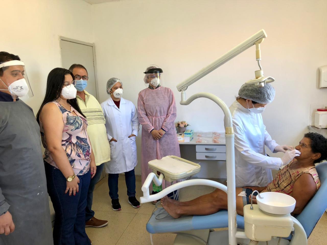 Prefeitura de Cubati entrega 50 próteses dentárias aos usuários da rede municipal de saúde.